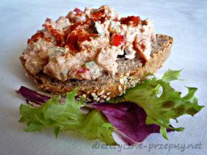 kanapki z pastą tuńczykową