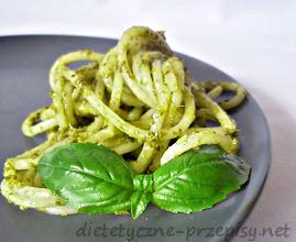 Spaghetti ze szpinakiem i serem pleśniowym 400 kcal
