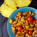 kurczak po tajsku w czerwonym curry z ananasem