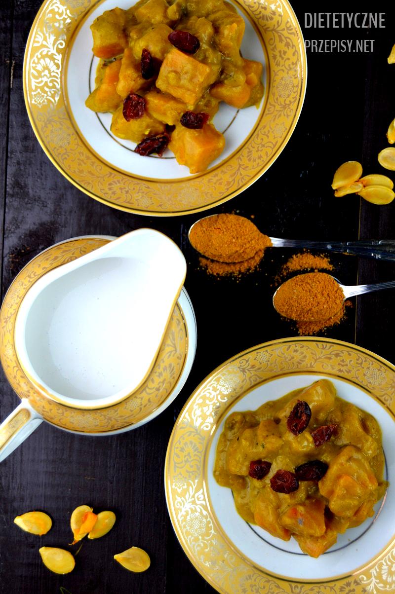 wegetariańskie curry z dynią i żurawiną 300 kalorii